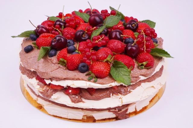 Целувчена торта